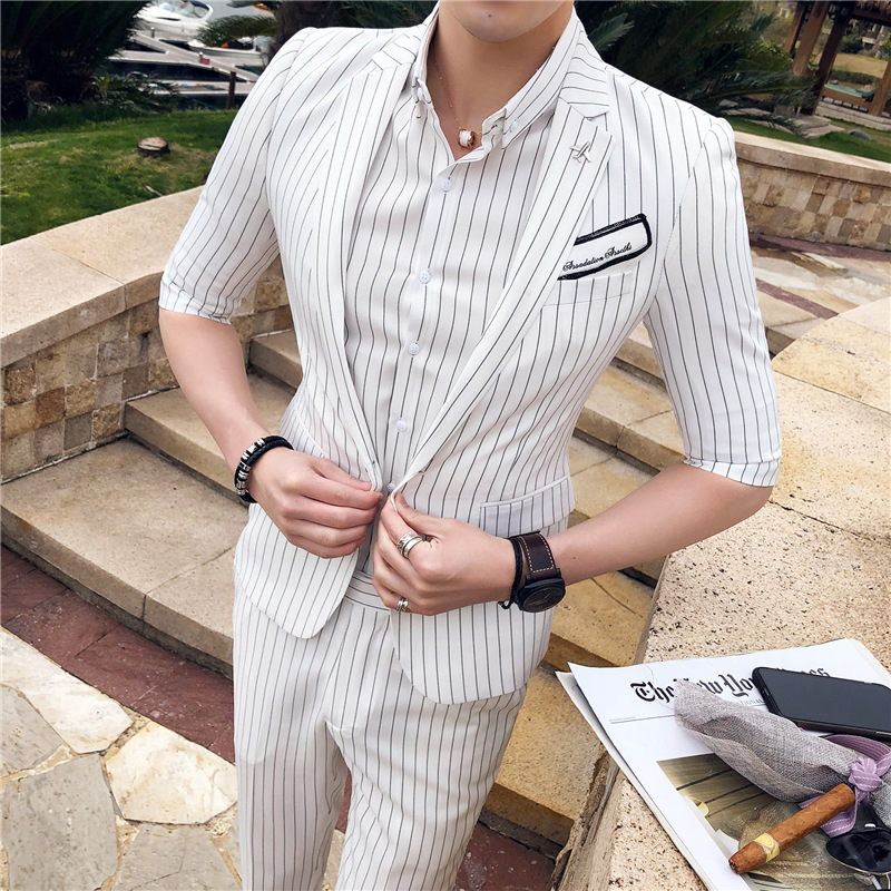 2019 New Korean Version of the Wild Tide Male British Casual Striped Sleeves Suit