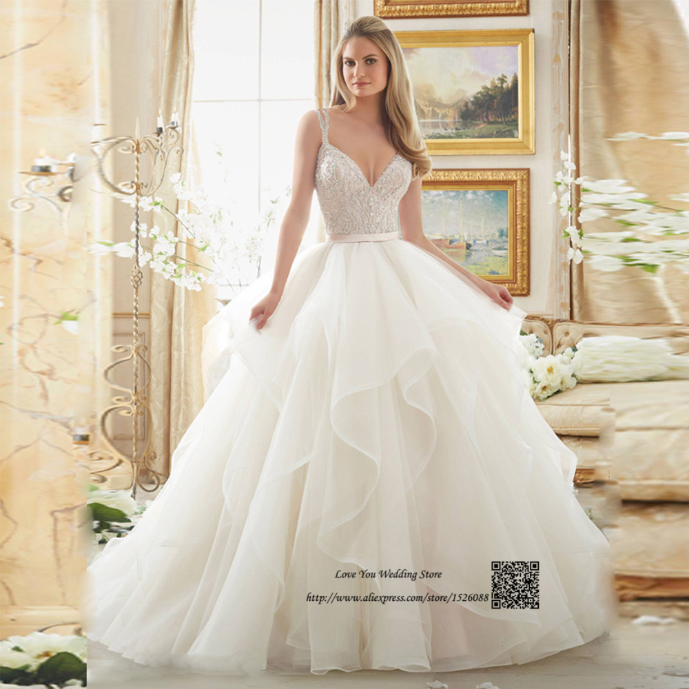 Enchanting Wedding Gown Motif Adornment - Wedding and flowers ...