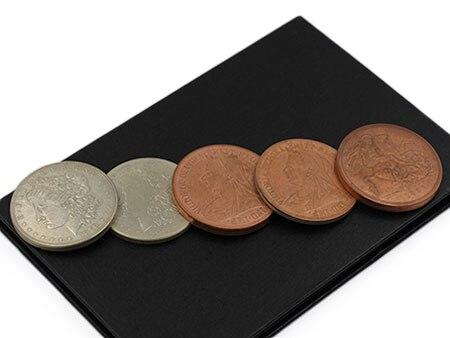 Один набор Hopping Morgan By Q реквизит для фокусов монеты с открывающаяся коробочка монеты и английские Пенни Волшебные Трюки крупным планом иллюз