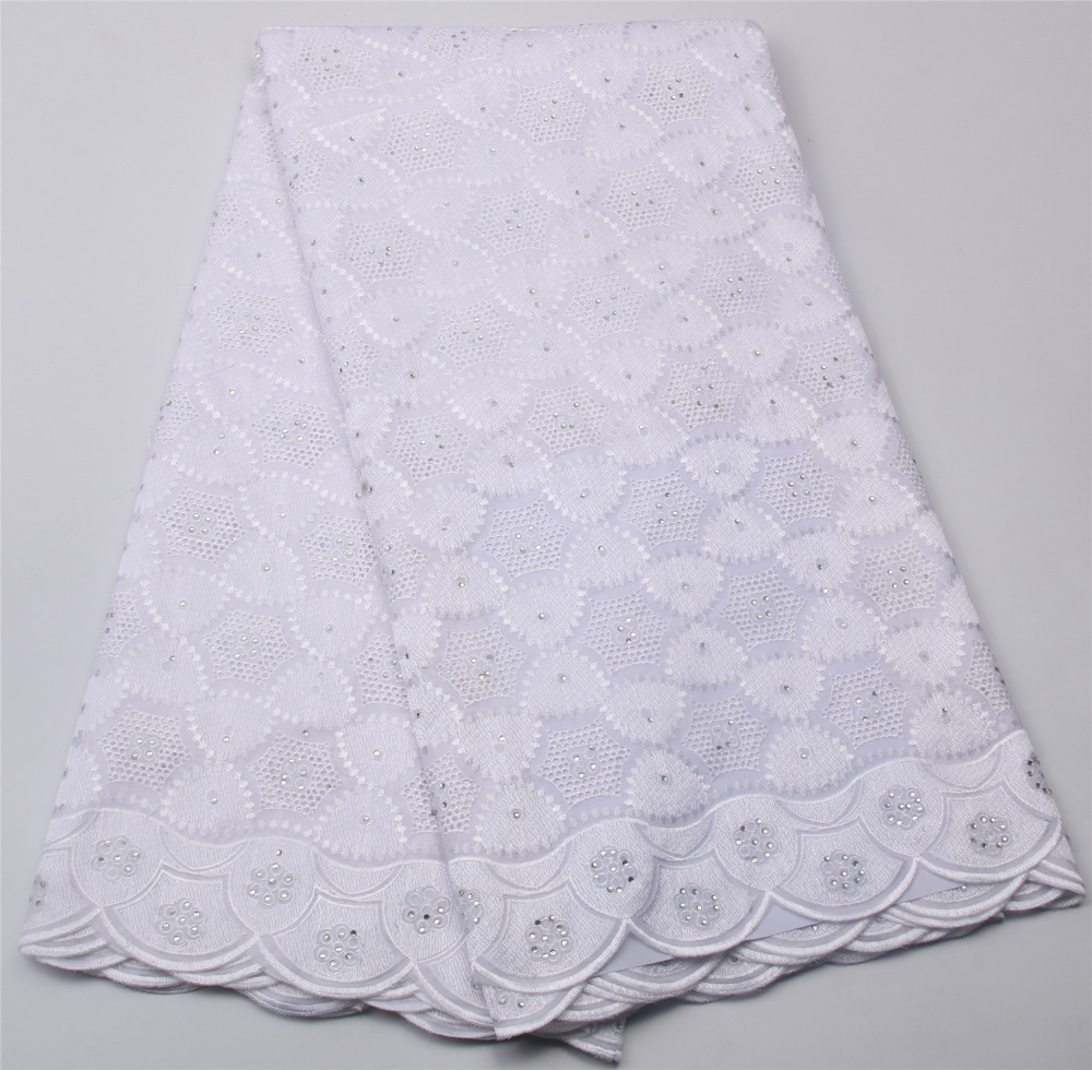 2017 new popular design eyelet lace fabric high quality for White lace fabric for wedding dresses