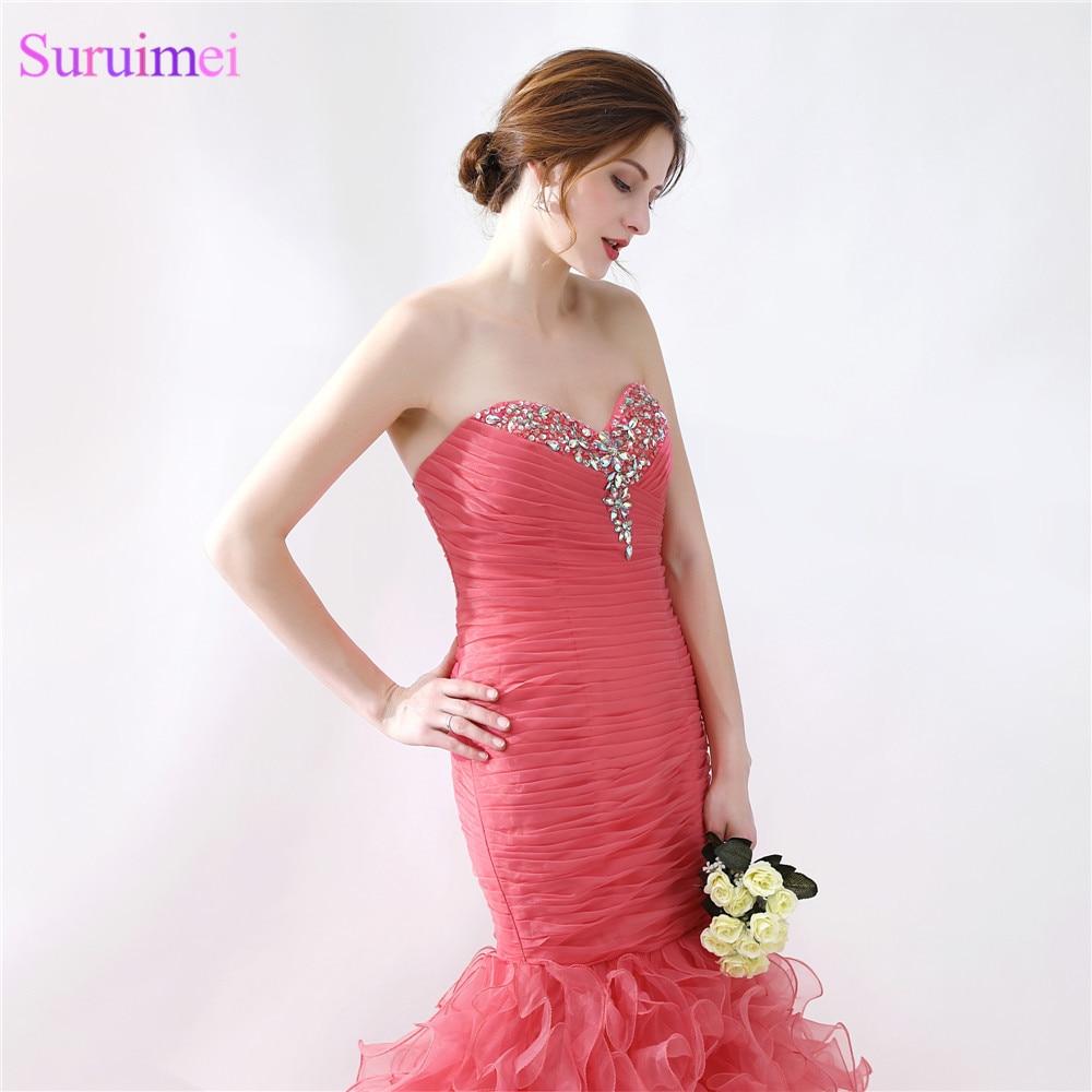 Bonito Vestido Largo De Color Rojo Baile De Graduación Foto ...