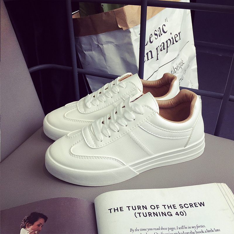 2017 spring new white shoes heavy-bottomed leather sports shoes Flat wear women walking shoes British retro running shoes all