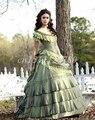 Verde do vintage Fora do Ombro vestido de Baile Vestidos Quinceanera 2017 Em Camadas de Cetim Quinceanera Vestidos Trem Da Varredura