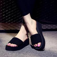 Letnia kobieta buty platformy kapcie do kąpieli Wedge Beach klapki japonki wysokie obcasy kapcie dla kobiet marki Black EVA Ladies Shoes tanie tanio Favolook Siatka (siatka powietrzna) Stałe Letnich Poza Wysoka (5cm-8CM) Kliny Podstawowe Dorosłych Slippers