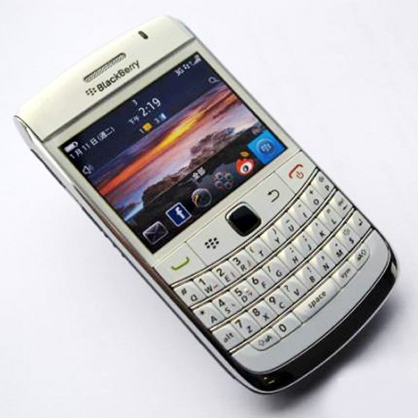 Original Blackberry Bold 9780 Refurbished Mobile Phone With 5MP Camera And 3G/WIFI/GPS/Bluetooth