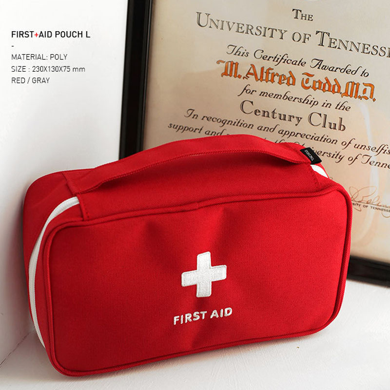Nylon Waterproof Small First Aid Kit Emergency Medical First aid kit bag Portable Car kits bag Outdoor Travel Survival kit все цены