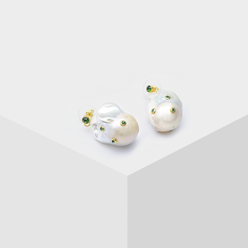 Amorita boutique gold color anomaly pearl EARRINGS