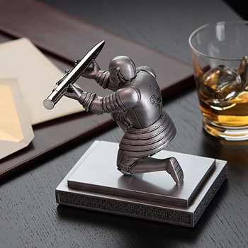 1 Pc/Pack Cool Classic Resin Knight-Kneeling Pen Holder & Pen Stand for School Stationery & Office Supply