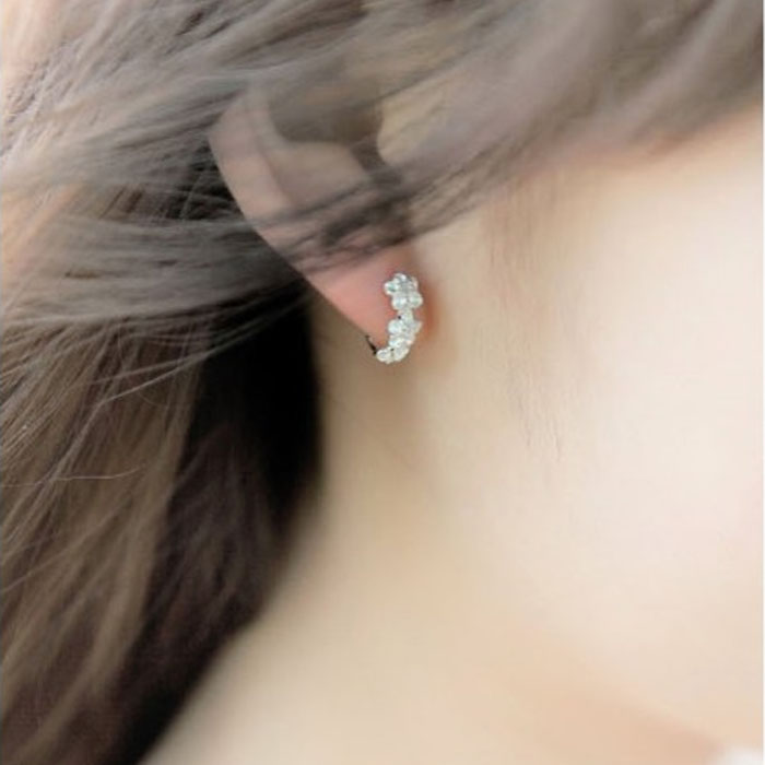 Gofuly Sale White Silver Flower Plated Small Earrings Elegance Style Design Jewelry High Quality Engagement Gift
