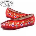 Vintage Embroidery Women Flats Shoes Chinese Bride Wedding Old Beijing Satin National Ethnic Soft Dance Single Ballet Shoes