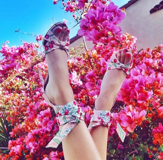 Floral Grid Print Crisscross Strappy Heeled Sandals for Woman Summer Shoes Sexy Super High heels Ladies temperament sheoeFloral Grid Print Crisscross Strappy Heeled Sandals for Woman Summer Shoes Sexy Super High heels Ladies temperament sheoe