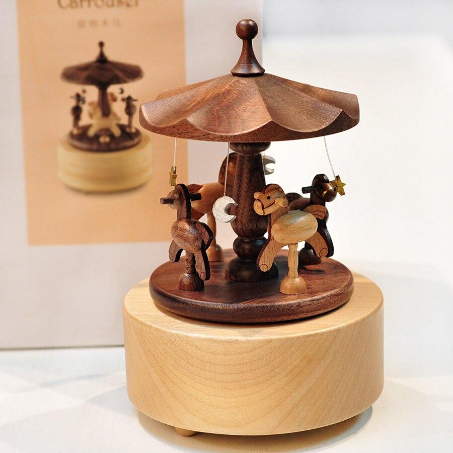 Carrousel en bois créatif Mini boîte à musique en bois massif Merry-go-round boîtes à musique pour amour fille garçon anniversaire cadeau de noël 2016