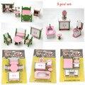 3 pçs/set Mini acessório boneca móveis casa de Bonecas em miniatura de brinquedo Fingir rosa sala de estar cama fezes mesa de brinquedo de presente para a menina crianças