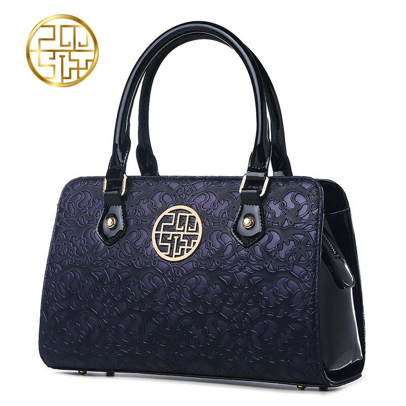 Pmsix2018 High-quality luxury fashion Chinese middle-aged handbags mom bag trend Shoulder Messenger handbag embossed women's bag pmsix2018 high quality luxury fashion new high grade leather ethnic embroidery handbags embroidered bag large shoulder bag