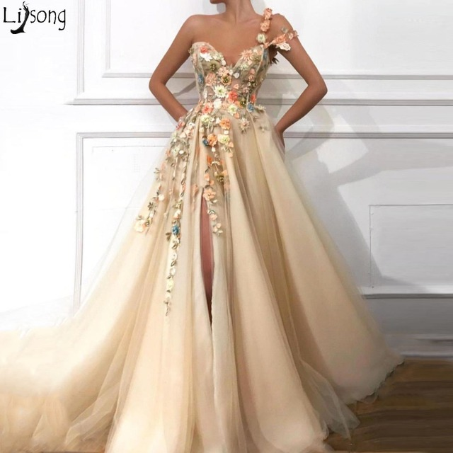 2019 Gorgeous Champagne One Shoulder Prom Dresses Ruched A Line Front Slit Tulle Hand Made Flowers Plus Size Party Evening Gowns 2