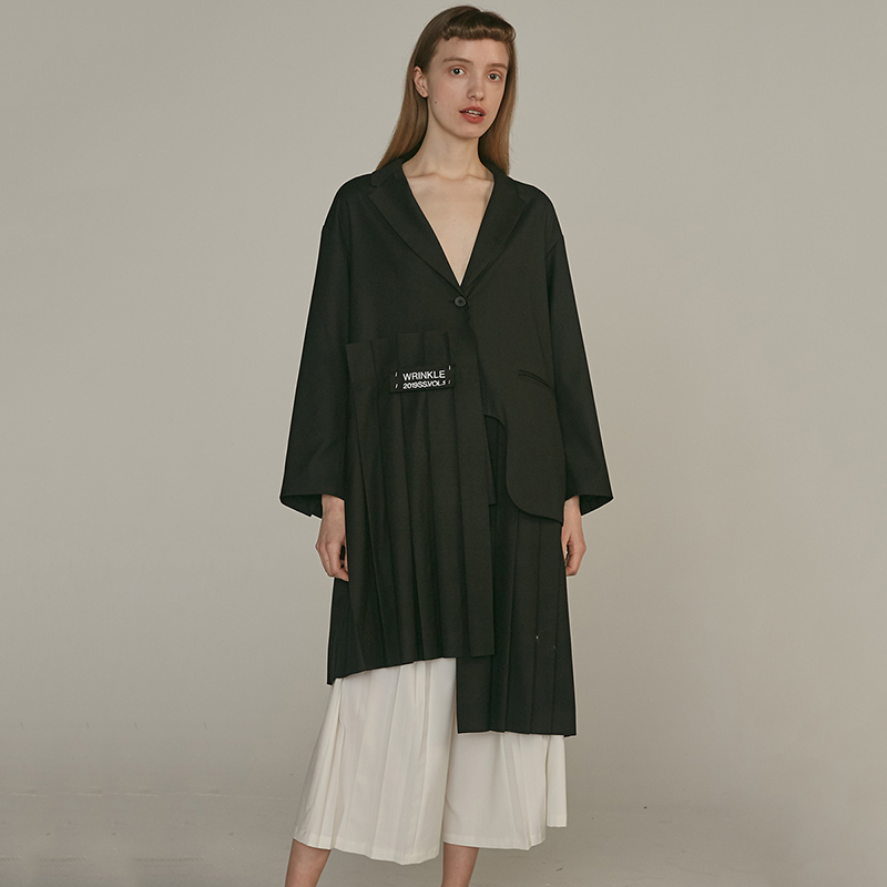 [EAM] 19 New Autumn Winter Lapel Long Sleeve Khaki Irregular Hem Pleated Split Joint Windbreaker Women Trench Fashion JQ483 8