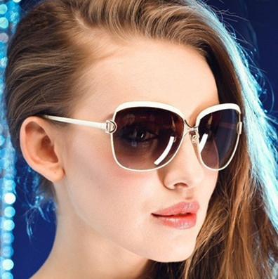 fba9b7a353 Gafas de sol de marca de moda de diseñador de gafas de sol de alta cantidad  de protección UV gafas de sol femeninas en Gafas de sol para mujer de  Accesorios ...