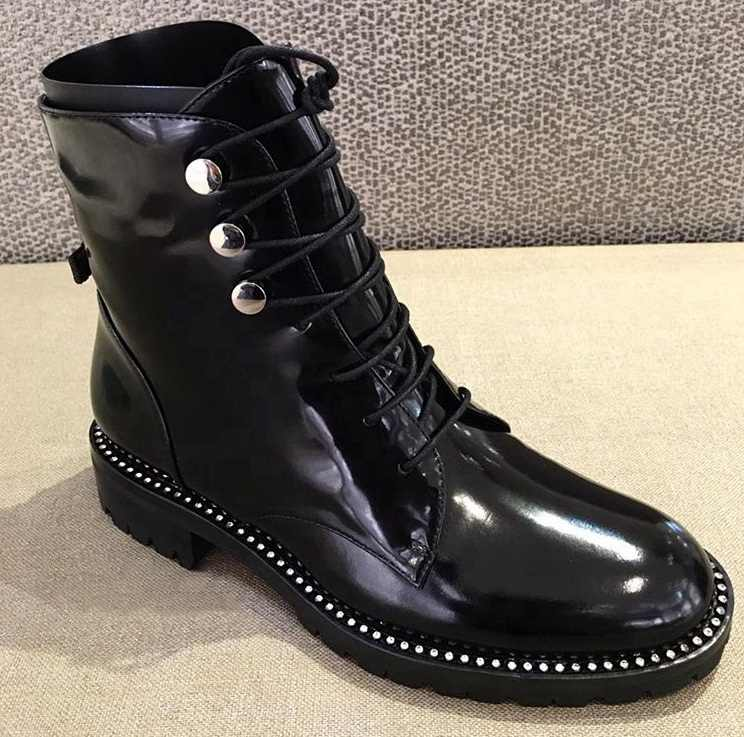 2020 hakiki deri kalın topuk yuvarlak ayak dantel kadar kış çizmeler Superstar lüks Punk Rock Metal perçinler bağlantı elemanları yarım çizmeler L99