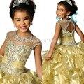 2017 Meninas Vestidos Pageant vestido de Baile Colher Cap Mangas Amarelo Organza Frisada Pouco Longo Flor Do Bebê Meninas Vestidos Para O Casamento