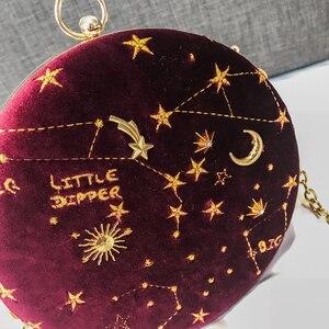 Image 5 - 2020 별이 빛나는 하늘 원형 패션 스웨이드 숄더 백 체인 벨트 여성 크로스 바디 메신저 가방 숙녀 지갑 여성 라운드 핸드백