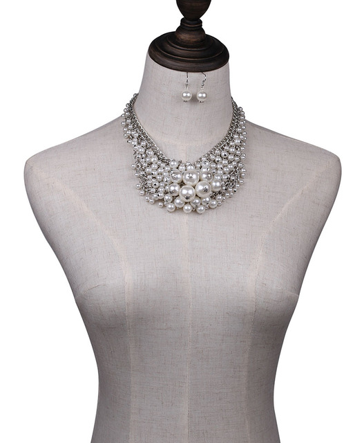 Nueva llegada moda grueso de lujo colgante simulado de perlas collar de declaración de la joyería para las mujeres