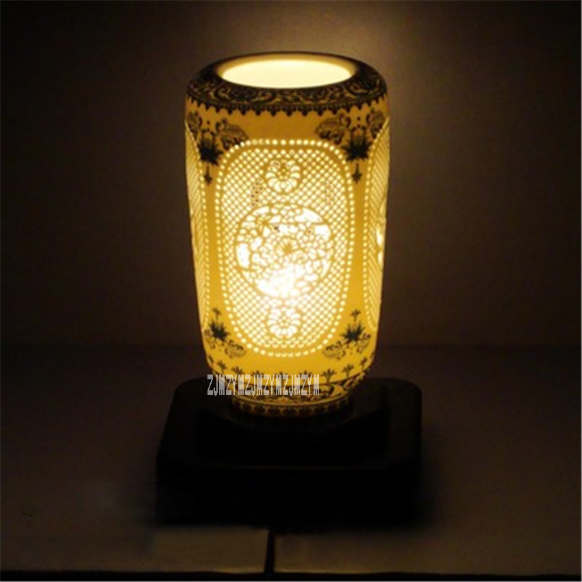 Creative Chinese Style Blue White Table Lamp Hollow Ceramic Table Lamp Modern Living Room Bedroom Bedside Table Lamp 110-240VCreative Chinese Style Blue White Table Lamp Hollow Ceramic Table Lamp Modern Living Room Bedroom Bedside Table Lamp 110-240V