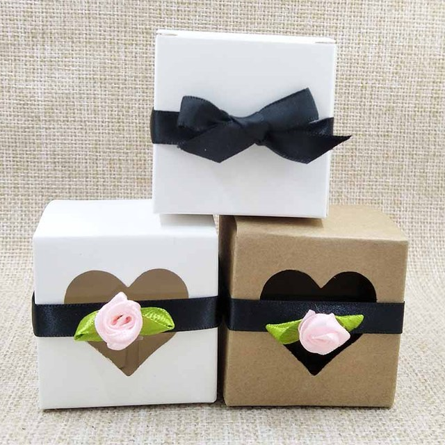 Free Shippingwhole 5x5x5cm Natural Kraft Brown Wedding Candy Bo With Heart Window Treat Box