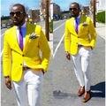 Homens amarelas Ternos Considerável Fresco Moda Smoking Custome Homme Masculino Terno Slim Fit Homens Blazer (Paletó + Calça + Tie + Lenços)