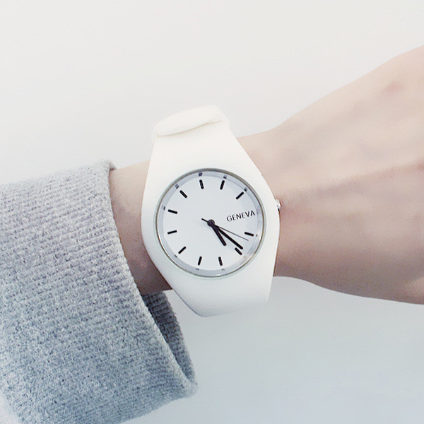 Modern Fashion Silicone Quartz Watches Women High Quality Casual Wristwatch Gift Analog Watch For Female Clock Reloj Mujer XFCS