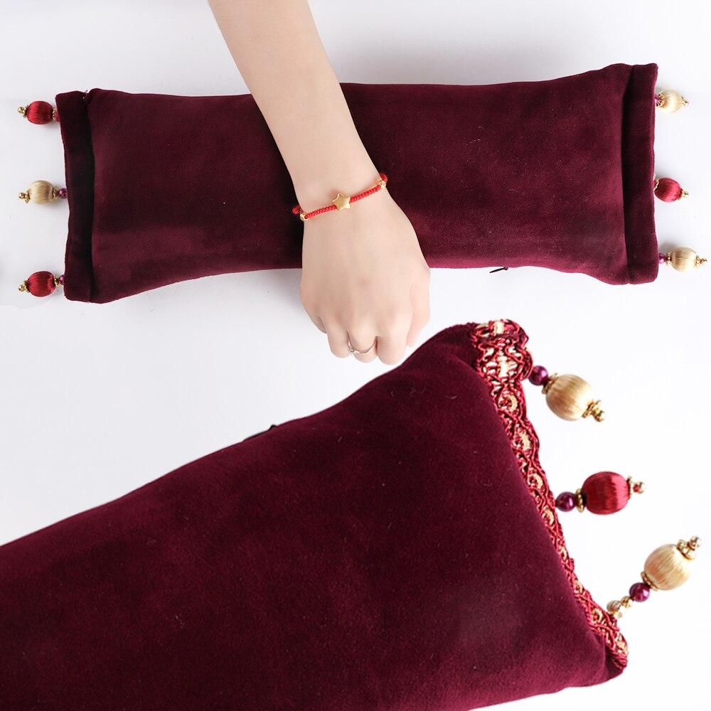 Handauflagen 1 Stücke Winter Baumwolle Salon Handauflage Kissen Rosa/rot Schöne Japanische Quaste Perle Hand Kissen Für Diy Dekor Nails Werkzeuge Tr531 Rabatte Verkauf