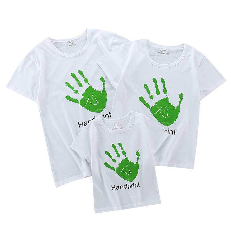 Família Roupas Combinando Roupas Olhar Roupas Pai Mãe Filho Filha Tshirt Mão Papai Mamãe e Me Tshirt Do Bebê Verão