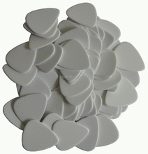 Lots of 50 pcs new heavy 1.5mm blank guitar picks Plectrums No printing Solid White