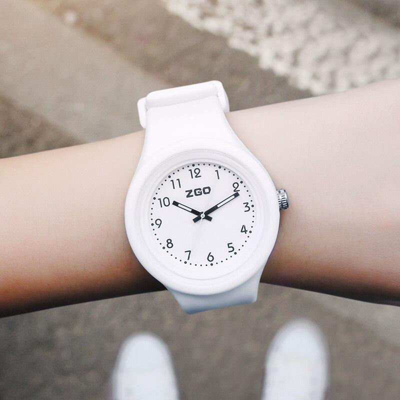 Zgo 2018 Fashion Candy Color Woman Watch Youth Women's Watches Clock Fluorescence Female Watch Waterproof Women's Wristwatch.