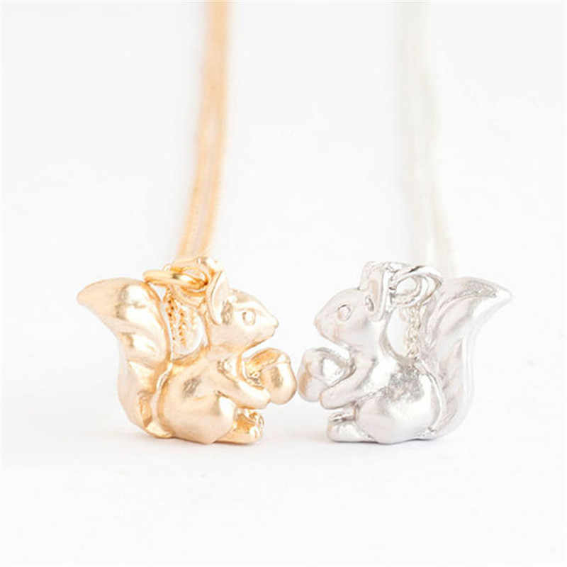 Dropship New Fashion Personalized Tiny Squirrel Pendant Necklace Cute Baby Squirrel Gold Silver Necklace For Women Jewelry