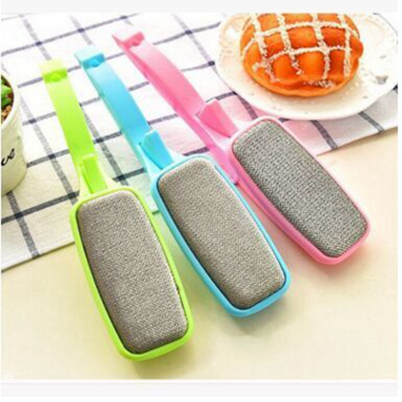 rotatable static dry scrubbing brush Creative electrostatic dry cleaning brush dust brush can be rotated
