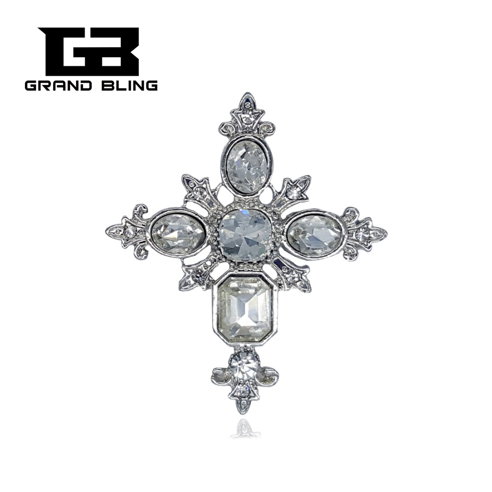 Vintage Style Crystal Gothic Cross Brosje Pin Gift