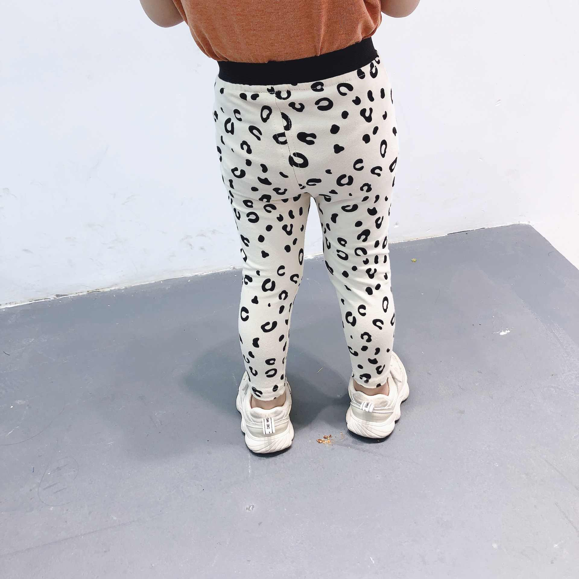 f9a78cee377d59 ... 2019 Spring and Summer Kids New Leopard Print Leggings Boys and Girls  Cotton Infants Bottoming Pants