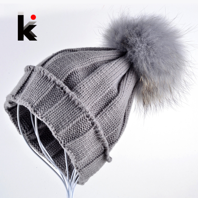 Nuevas mujeres calientes del invierno de la gorrita tejida del casquillo del sombrero femenino de piel bola pompón de punto gorros sombreros de lana de piel de mapache sombreros para mujeres