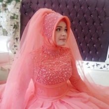 Turky Bridal Gowns Handcraft Vestito Da Sposa with Beads Pearls Red Muslim Wedding Dresses with Hijab Ruched Robes De Maraige