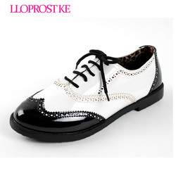Lloprost ke new fashion vintage british style japanned leather black white patchwork flat shoes casual retro.jpg 250x250