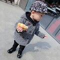 Niños Chico Coreano Patrón Boca Abajo Parkas Con Capucha Abrigo de Invierno 2017 nueva Capa de La Chaqueta de Moda y Lindo para Bebés Venta Caliente