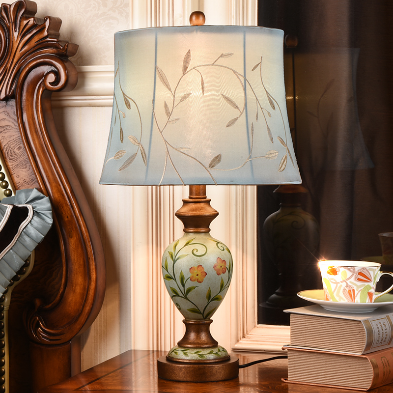 High End Pastoral European Vintage Hand Painted Resin Fabric Led E27 Table Lamp For Bedroom Bedside Study Living Room H56cm 1059