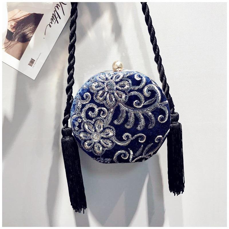 Bag female 2018 new drum shaped shoulder bag small tweezers velvet slung evening dinner bag round retro banquet pouch