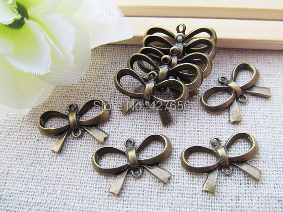DIY 30 pcs  Jewelry key Metal Necklace Bracelet Bronze Findings Silver Charms