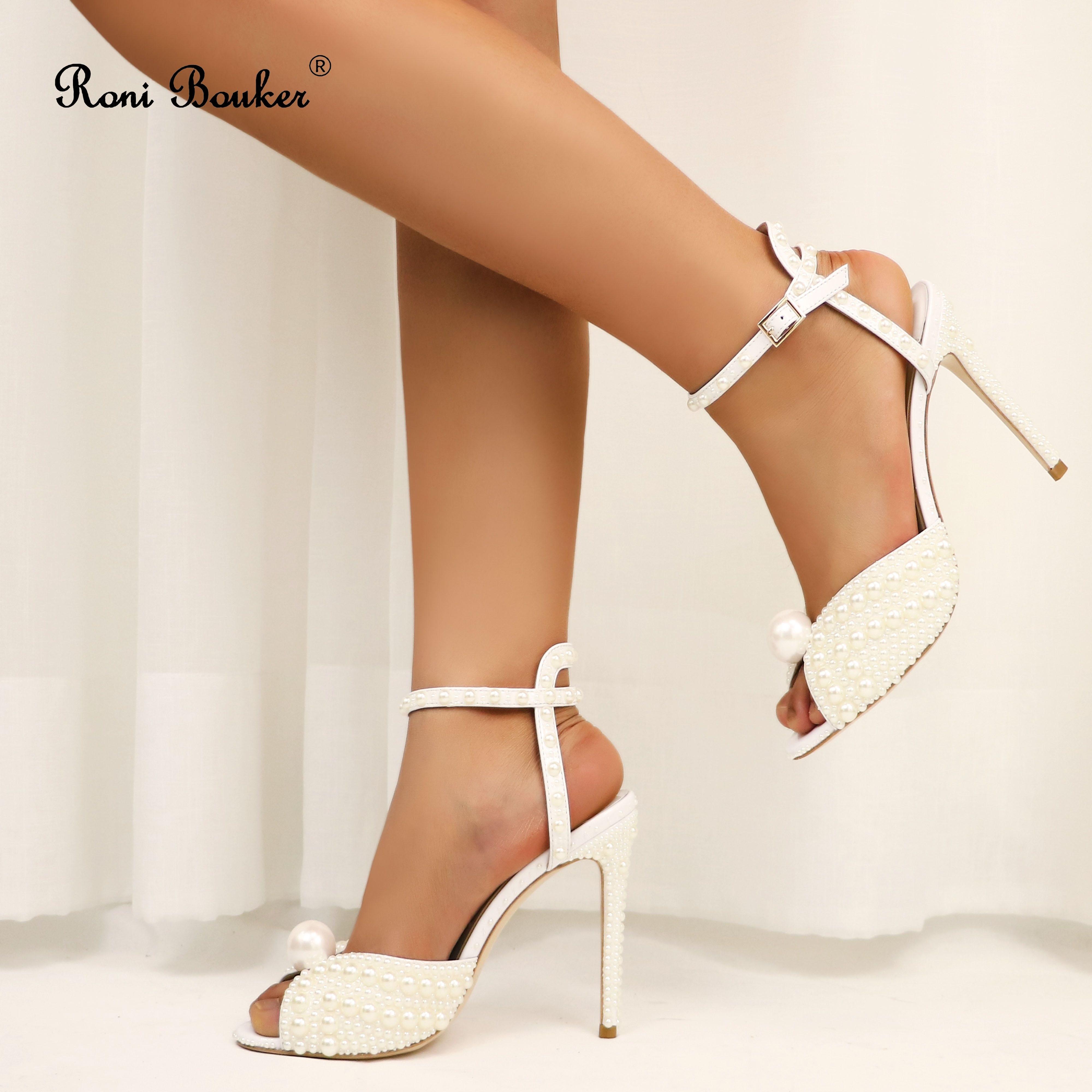 Roni Bouker Handmade prawdziwej skóry buty ślubne dla panny młodej kobiety luksusowe perły sandały na wysokim obcasie kobieta wysokie obcasy kobiet wieczór sandały w Wysokie obcasy od Buty na  Grupa 1