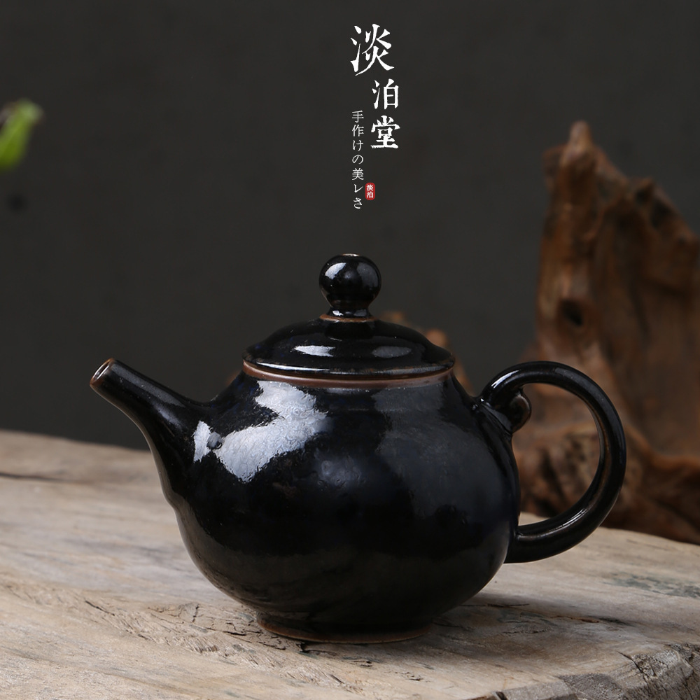 Mr.Qing kiln changed ceramic teapot Japanese rough pottery pot mini rough pottery mesh filtration brewing teapot kung fu tea setMr.Qing kiln changed ceramic teapot Japanese rough pottery pot mini rough pottery mesh filtration brewing teapot kung fu tea set