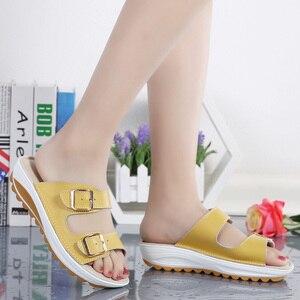 Image 4 - Kilobili נשים נעלי אבזם עור אמיתי נעלי שקופיות מוצק עבה בלעדי עקבים חוף סנדלי נשים מחוץ כפכפים קיץ