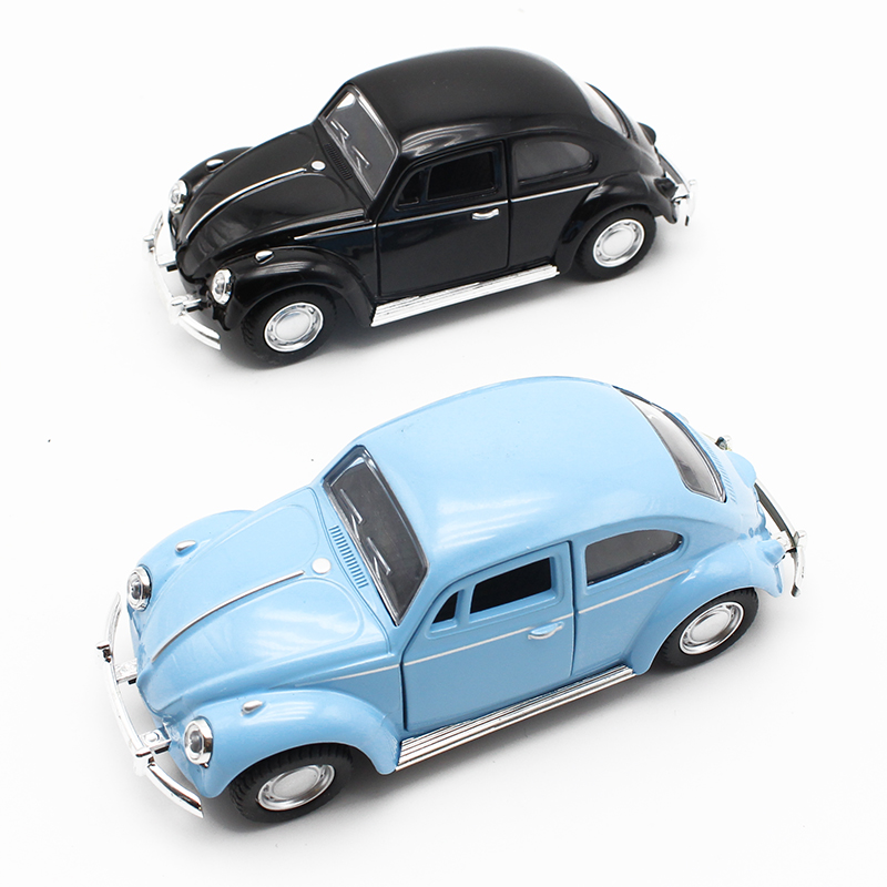 1:32 Diecast Mini Blinkande Musical Drag Back Alloy Car Beetle Bil med Sound Light Modell Leksaker för barn
