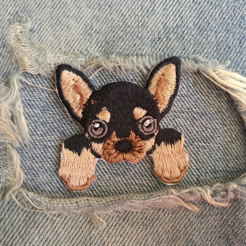 1 PIC 4.0*4.1CM Embroidered Cloth Computer Embroidery Chapter DIY CHIHUAHUA DOG Decoration Patch Stickers