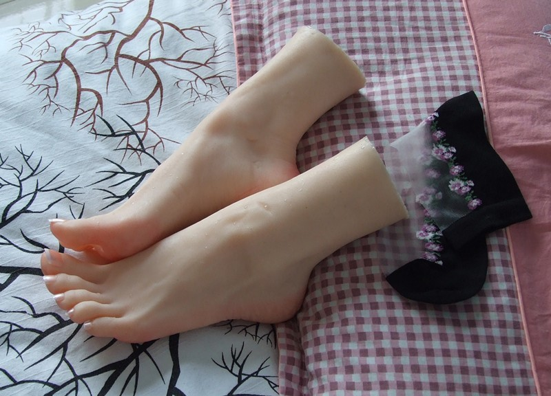 Realistic Life Size One Pair Mannequin Foot Silicone Manikin Torso Free Nail